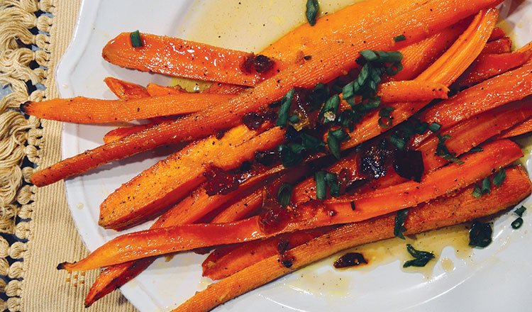 Roasted carrots with maple and garlic