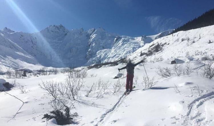Spring snow-ventures